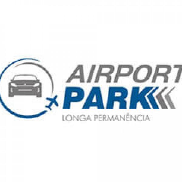 Felipe Fonseca como locutor da empresa Airport Park.