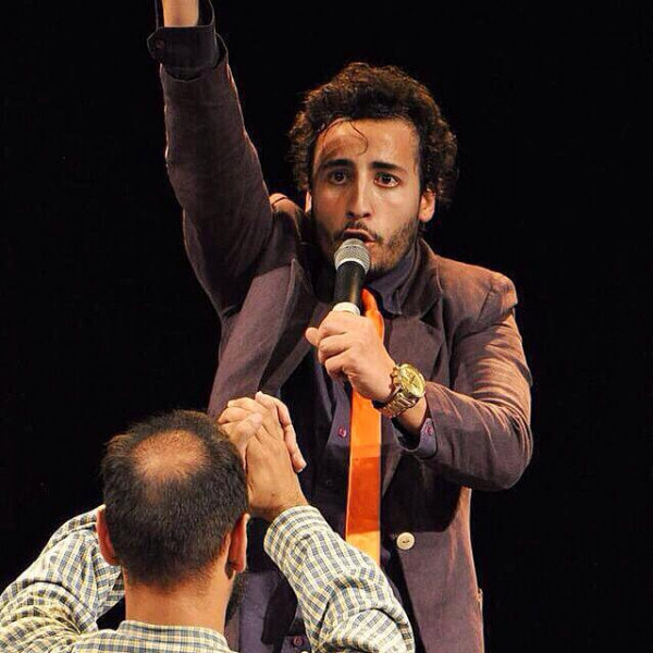 Felipe Fonseca no teatro como Bispo Jurandir.