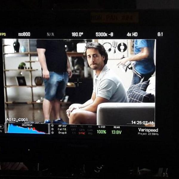 Felipe Fonseca como ator no comercial do Cicatricure Gel.