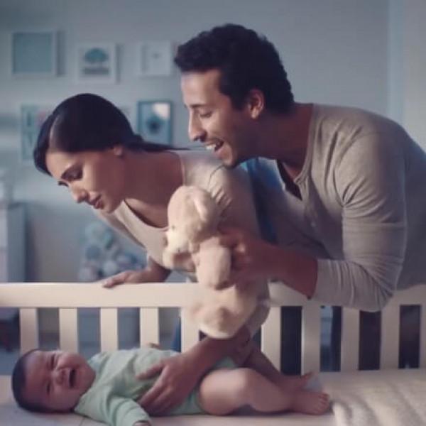 Felipe Fonseca como ator no novo comercial Vick Babyrub.
