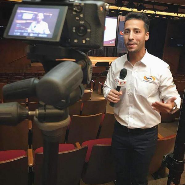 Felipe Fonseca como Repórter Omni.