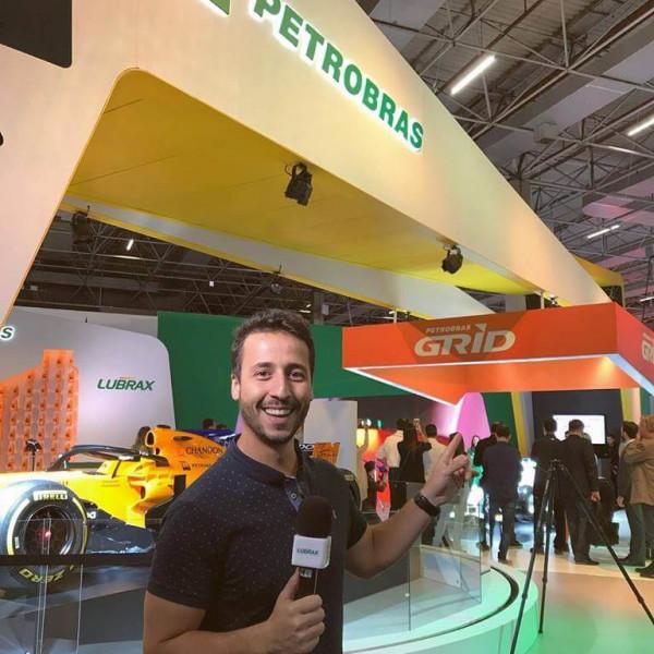 Felipe Fonseca apresenta Petrobrás no Salão do Automóvel 2018.