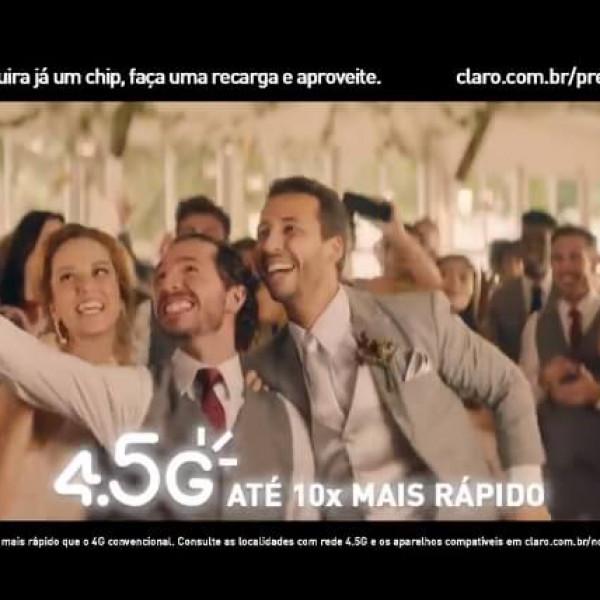 Felipe Fonseca como ator no novo comercial da Claro com Anitta.
