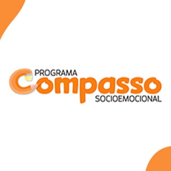 Felipe Fonseca como locutor para o Programa Compasso Socioemocional.