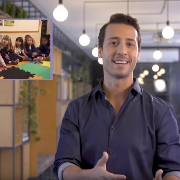 Felipe Fonseca como apresentador do Programa Compasso Socioemocional.