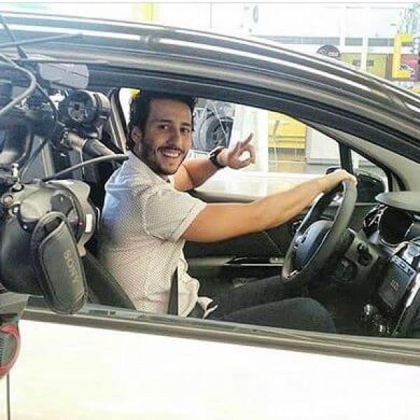 Felipe Fonseca como ator para vídeo de treinamento da Renault