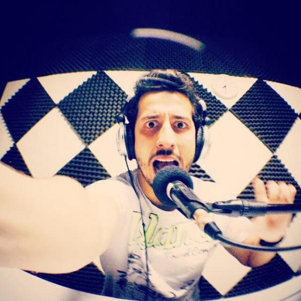Felipe Fonseca apresenta programa de rádio