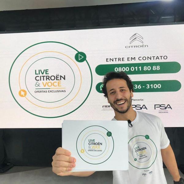 Felipe Fonseca como apresentador da LIVE Citroen e você.