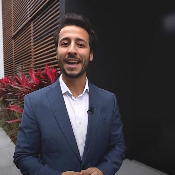 Felipe Fonseca como apresentador SEED CORP - Casa Jardim.